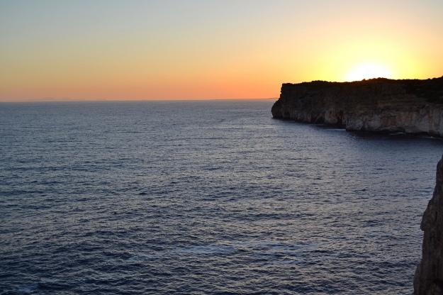 Vistas desde la Cova d'en Xoroi en Menorca